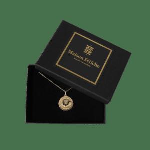 Bijoux Médaillon porte bonheur et chaîne plaqué or Maison Fétiche