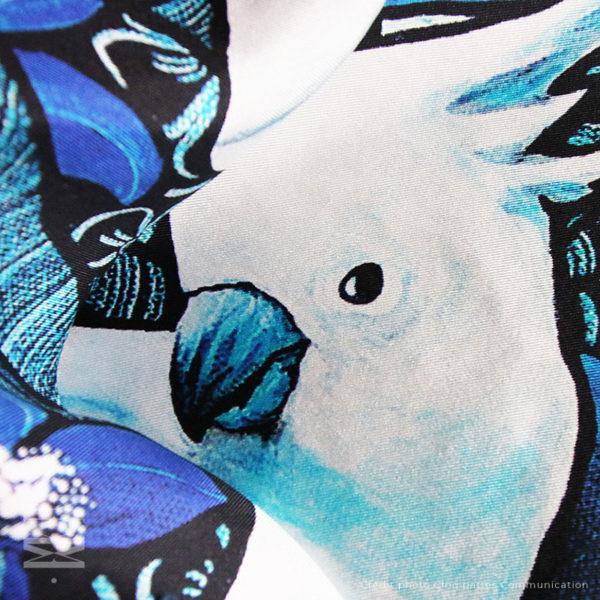 zoom2 detail carré foulard soie roulotté made in France maison fétiche La cour