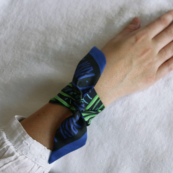 ruban de soie imprimé Maison Fétiche bleu vert palmier