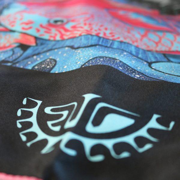 zoom7 carré foulard soie roulotté made in France maison fétiche La danse n2 pink 90x90 1