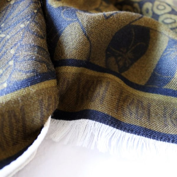 étole chèche laine soie finition frangée roulottée Maison Fétiche La danse kaki corail poisson perroquet 70 x 185